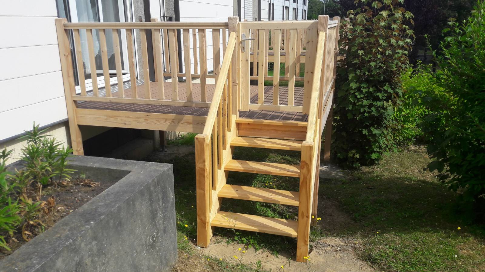 Peindre Une Rampe D Escalier En Bois installer un escalier bois par un menuisier proche